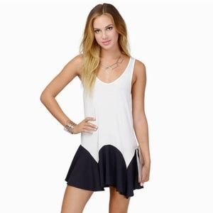NWOT Tobi Avril Dress Ivory and Black Colorblock